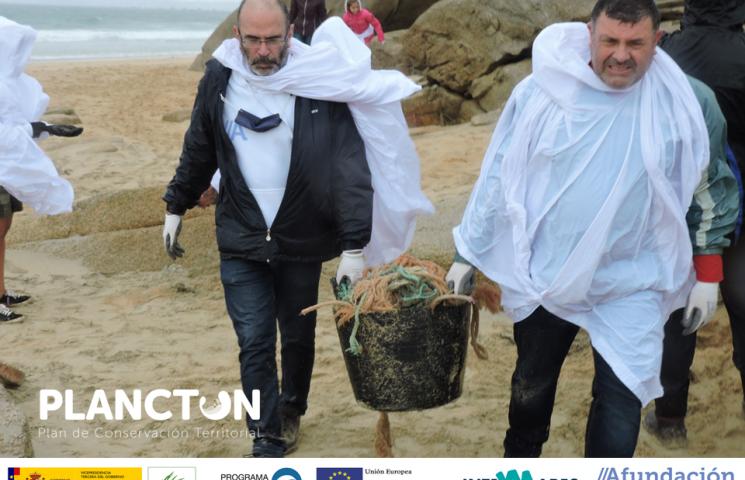 Limpieza de playas en Corrubedo
