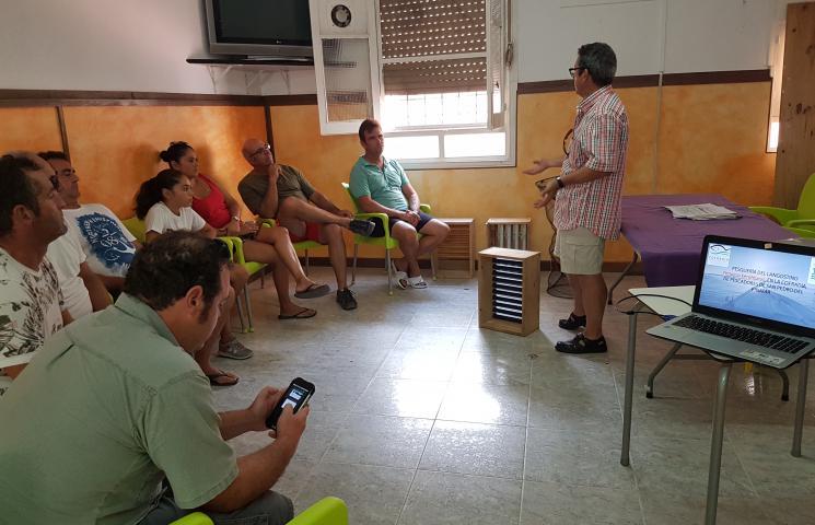 Pedro Martínez Baños explica los prototipos que estamos usando en ASAPEMM para el triaje en la pesca del langostino y la importancia de devolver los descartes de la pesca de forma rápida y efectiva al mar para su supervivencia.