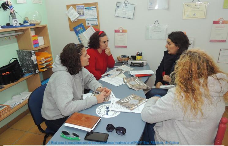 La Asociación de Mariscadoras de Carril y la II Red para la recuperación de los ecosistemas marinos en el PNMT Illas Atlánticas de Galicia