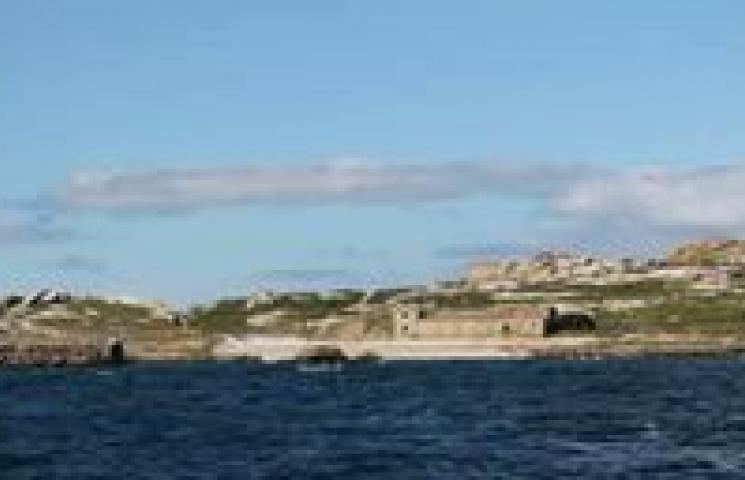 Jornada de voluntariado de caracterización y recogida de basuras marinas en la isla de Sálvora